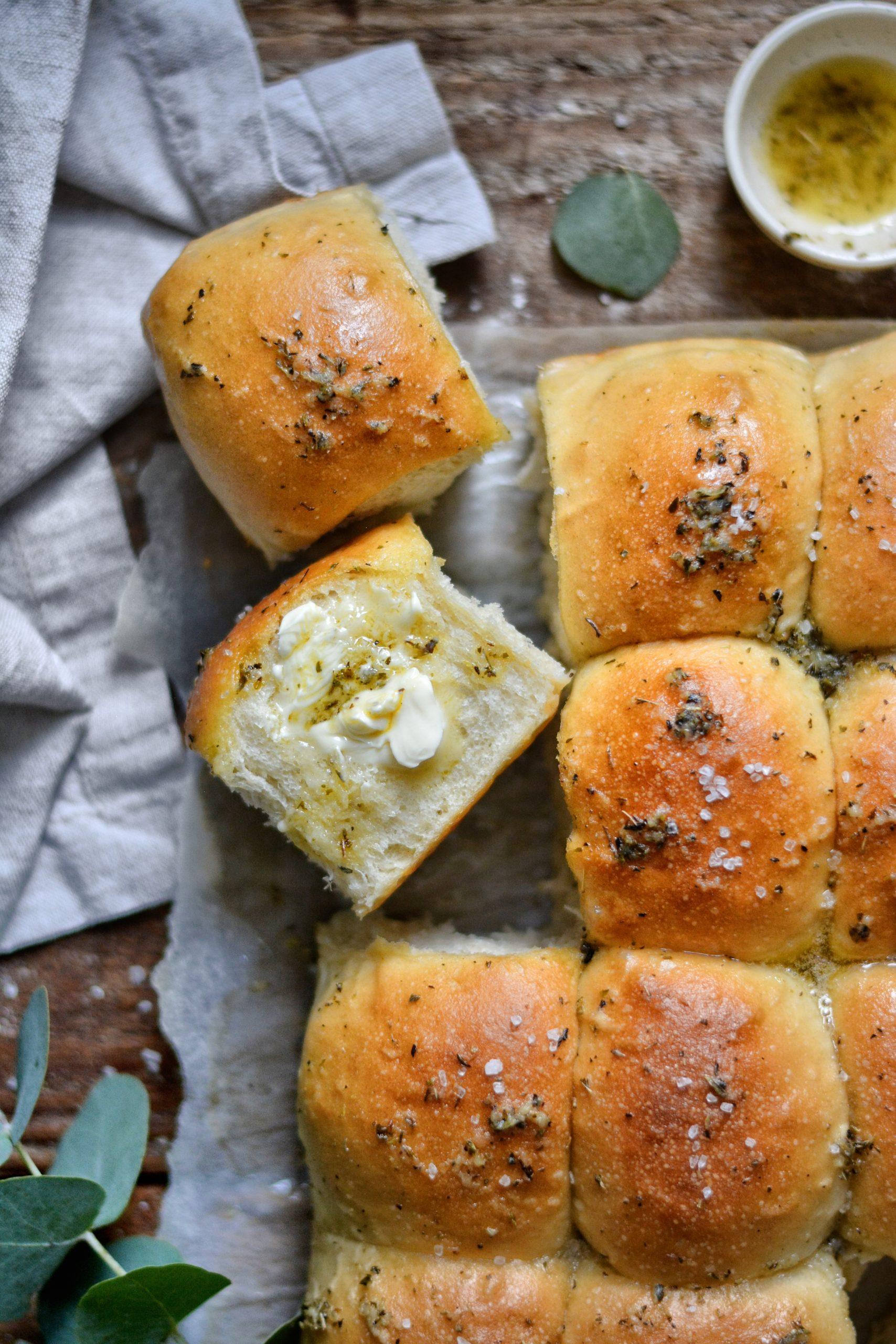 Pain Vegan au Beurre, Ail et Origan / Vegan Buttery, Garlic, Origano Pull Apart Bread