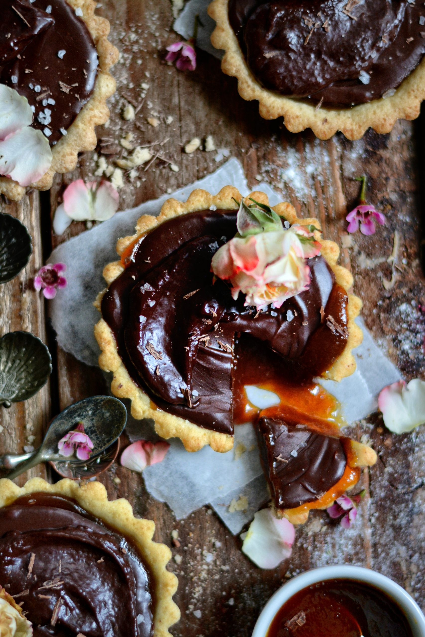 Tartelettes Vegan Chocolat, Caramel / Vegan Caramel and Chocolate Tartlets