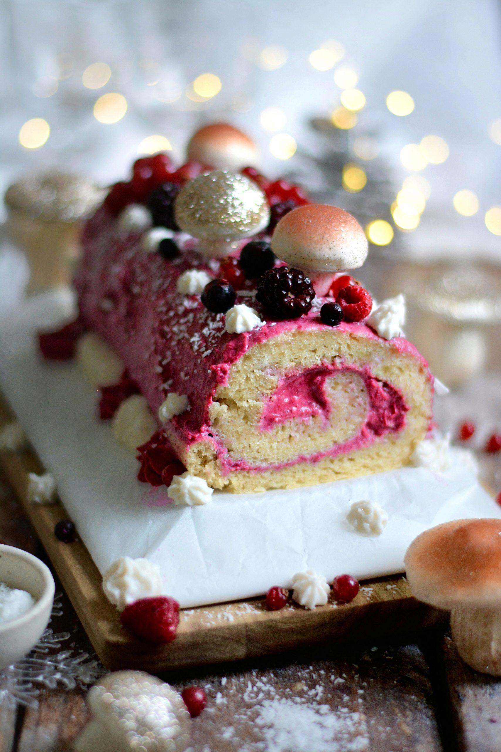 Bûche de Noël Vegan aux Fruits Rouges et Grand Marnier / Vegan Mixed Berries and Grand Marnier Yule Log