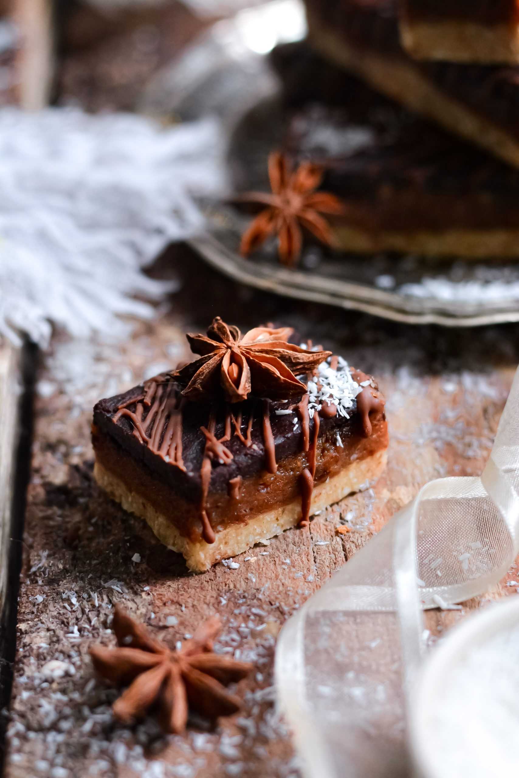 Barres Crues Sans Gluten Vegan au Caramel et Chocolat / Vegan GF Raw Caramel and Chocolate Bars