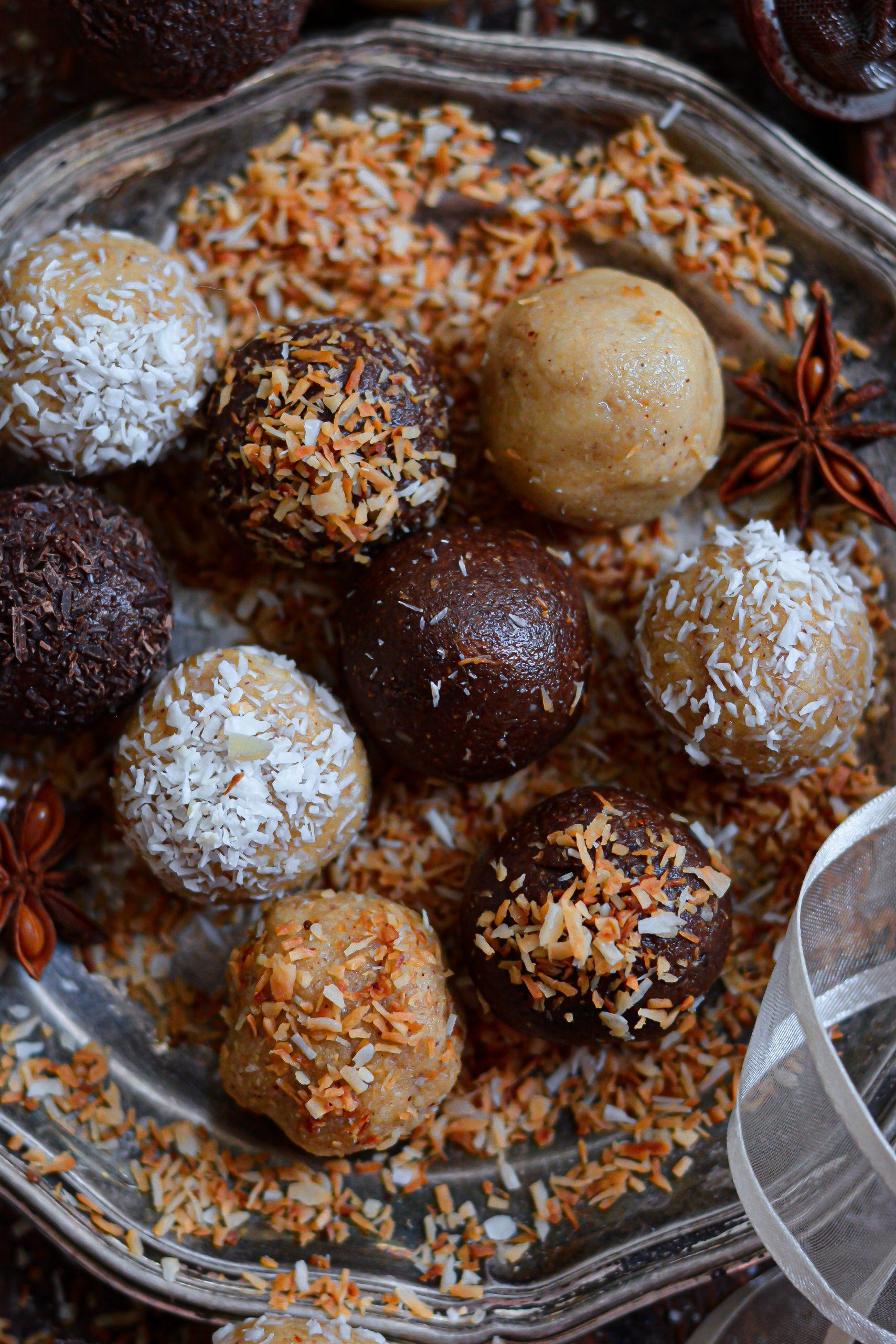 Boules d'Energie Vegan Amande et Noix de Cajou / Vegan Almond and Cashew Bliss Balls