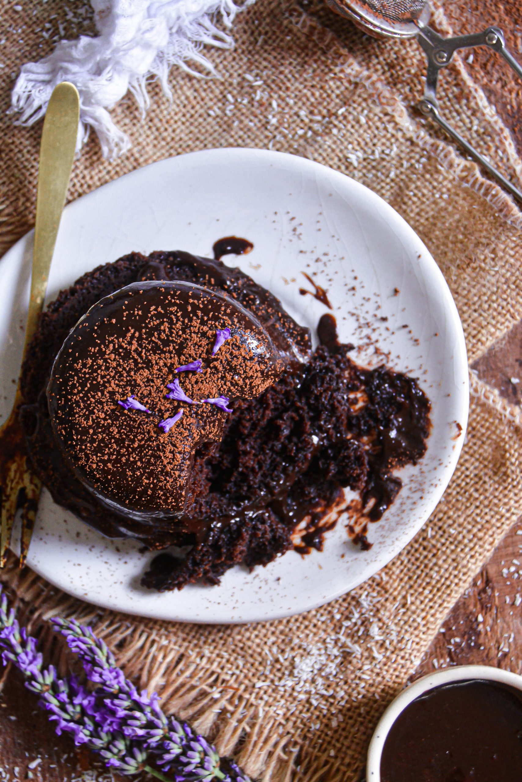 Mini Gâteaux au Chocolat Vegan & Glaçage / Mini Vegan Chocolate Cakes & Glaze