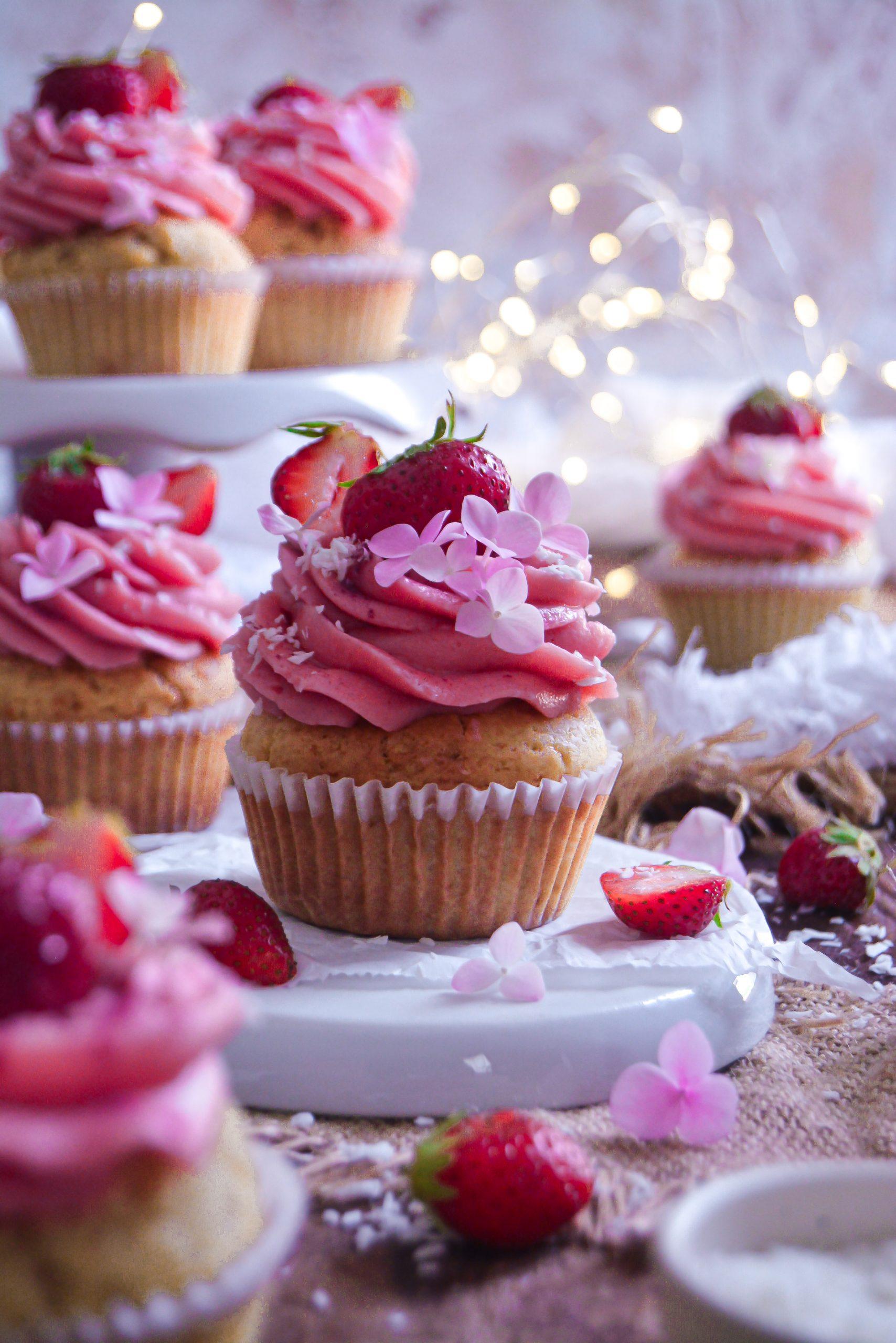 Cupcakes Vegan aux Fraises / Vegan Strawberry Cupcakes