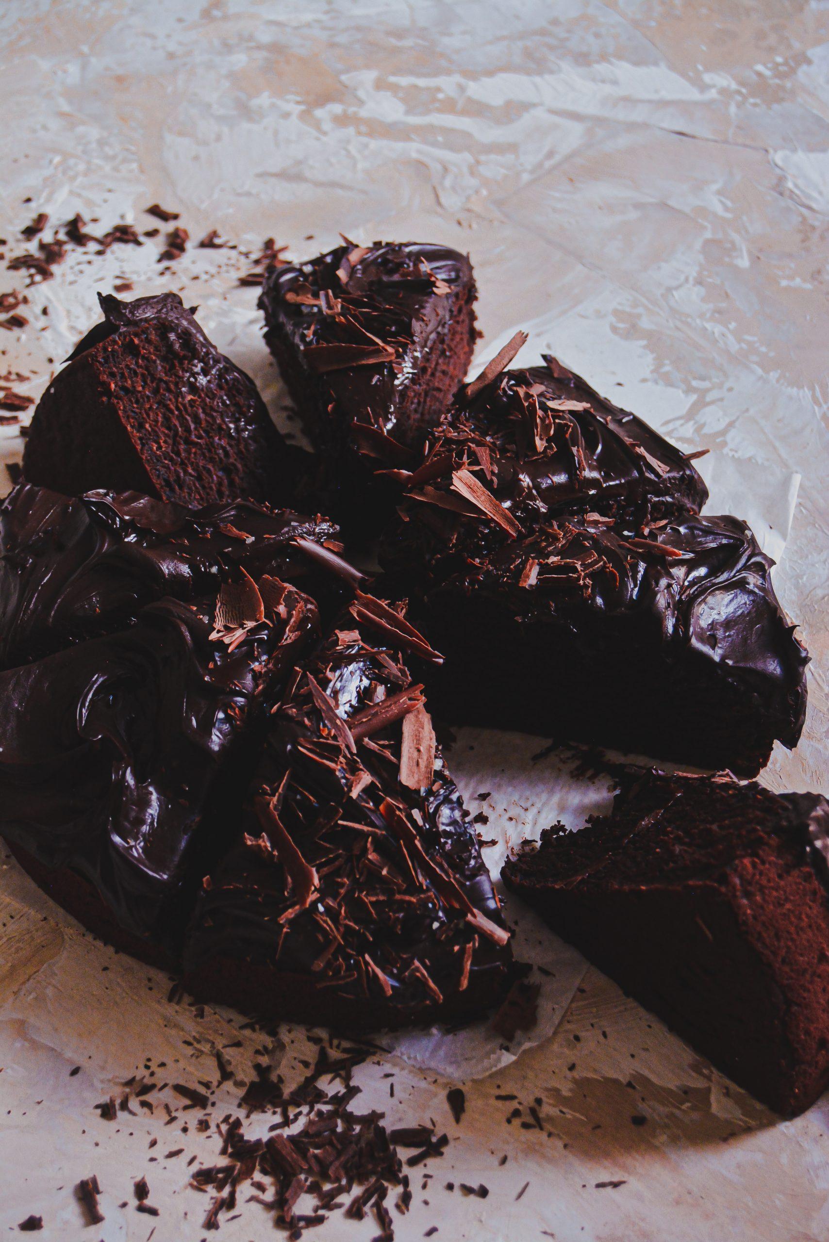 Gâteau au Chocolat Vegan et Glaçage Salé / Vegan Simple Chocolate Cake & Salty Frosting